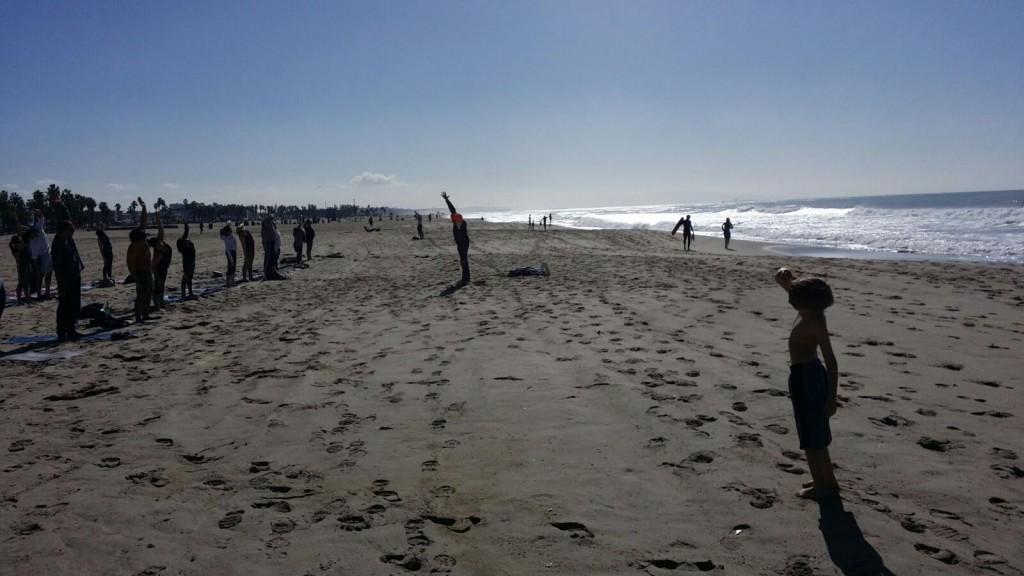 Beach yoga dla osób w każdym wieku:)