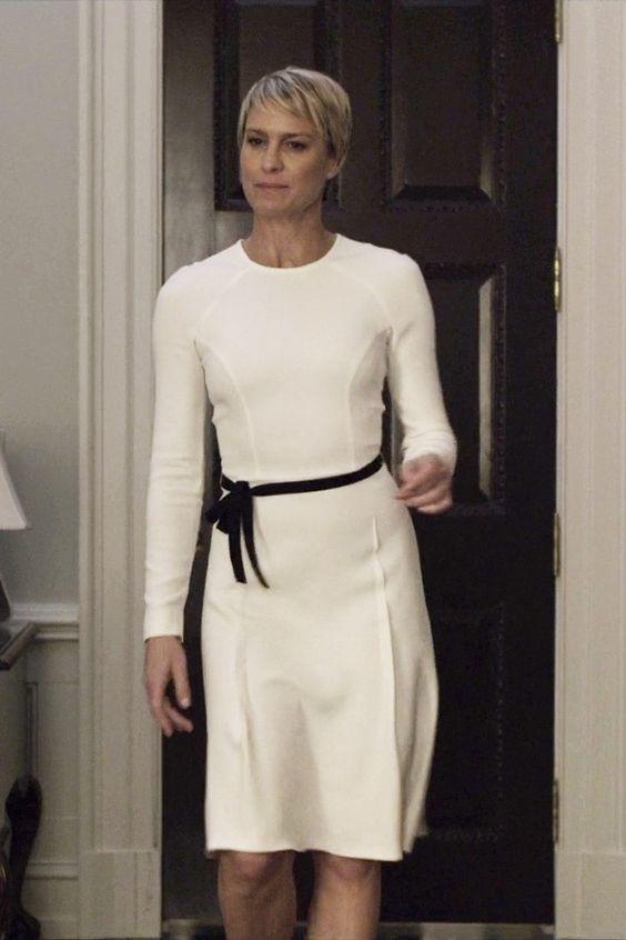 """(fot. Netflix) Robin Wright jako Claire Underwood w """"House of Cards"""". Jedna z moich ulubionych stylizacji, dziewczęca sukienka Roland Mouret."""