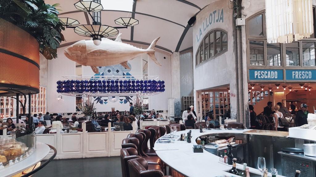 """La Llotja w restauracji """"El Nacional Barcelona""""."""