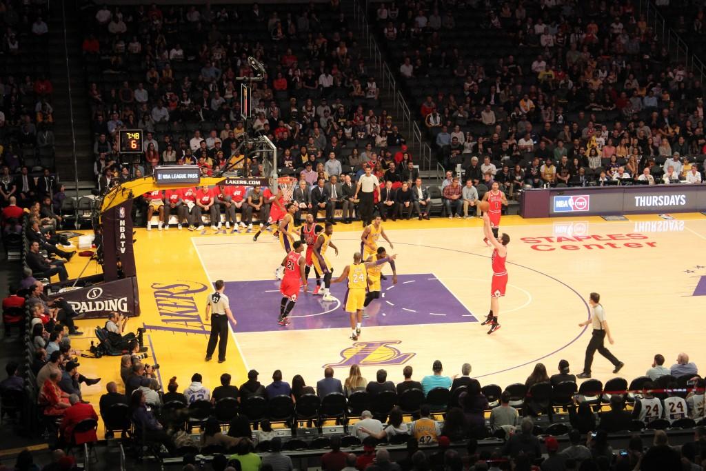 Mecz LA Lakers w Staples Center.