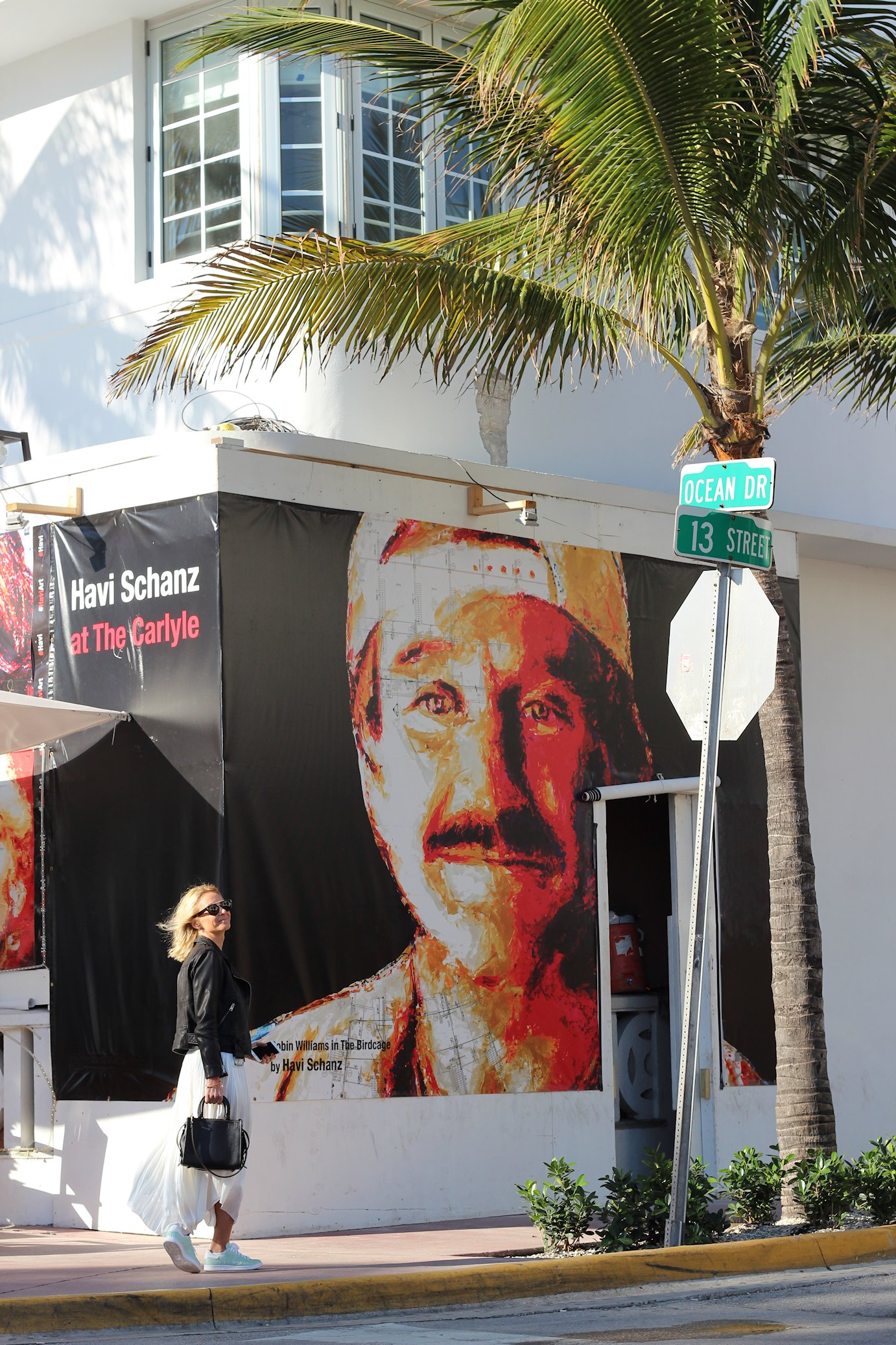 USA, South Beach, Ocean Drive, Carlyle Hotel, Robin Williams