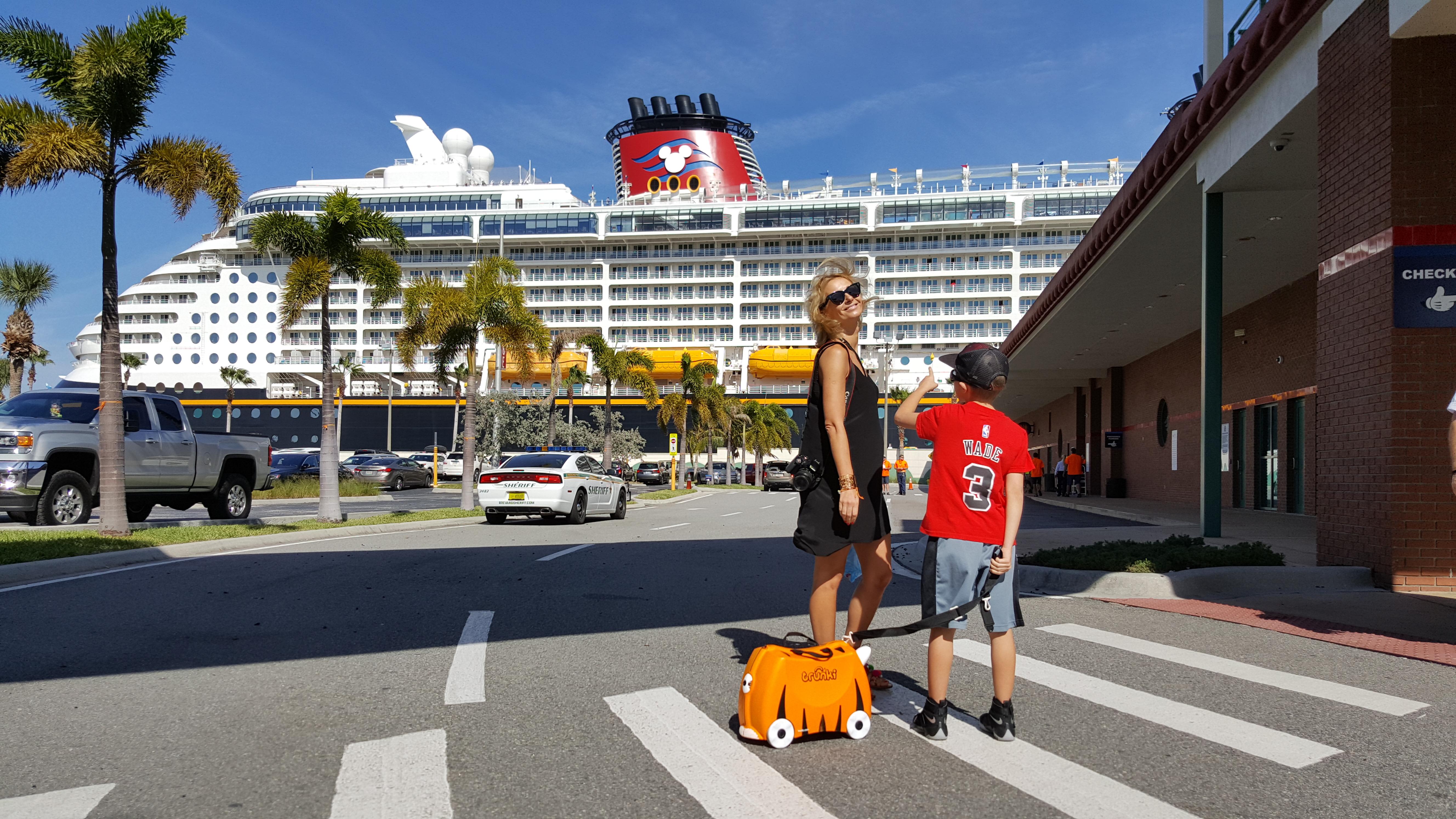 Wycieczkowiec Disney Dream Terminal Port Canaveral