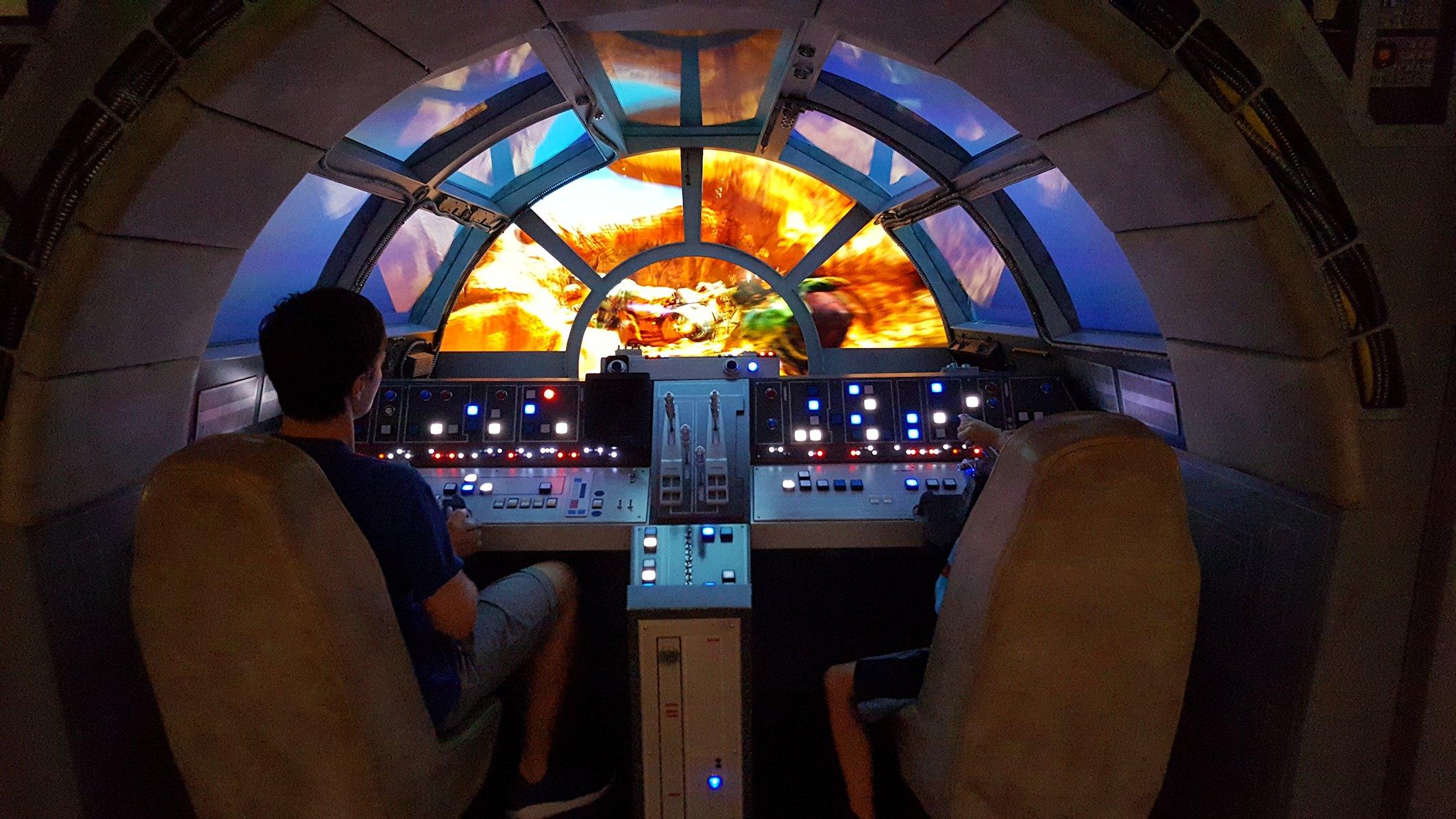 Sokół Millenium na statku Disney Dream